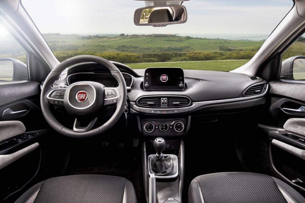 Fiat_Tipo_hatchback_7
